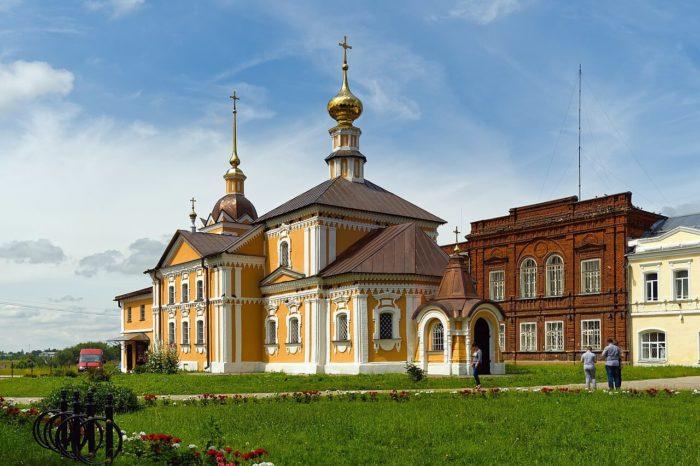 kresto-nikolskaya-tserkov-700x466