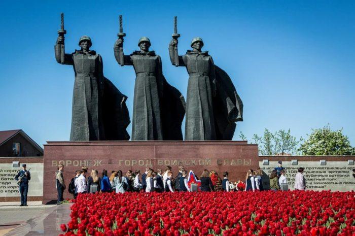 memorialnyy-kompleks-chizhovskiy-platsdarm-700x465
