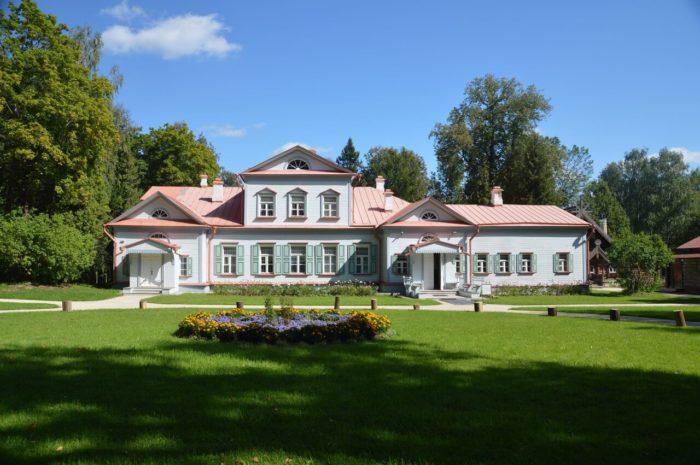muzey-zapovednik-abramtsevo-700x465