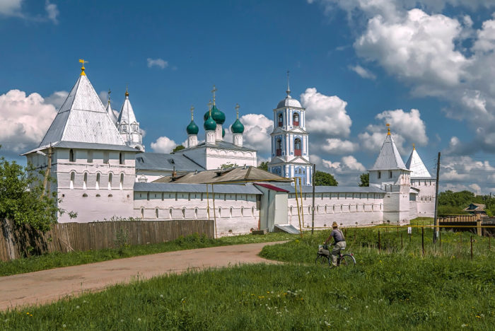 nikitskiy-monastyr-700x468