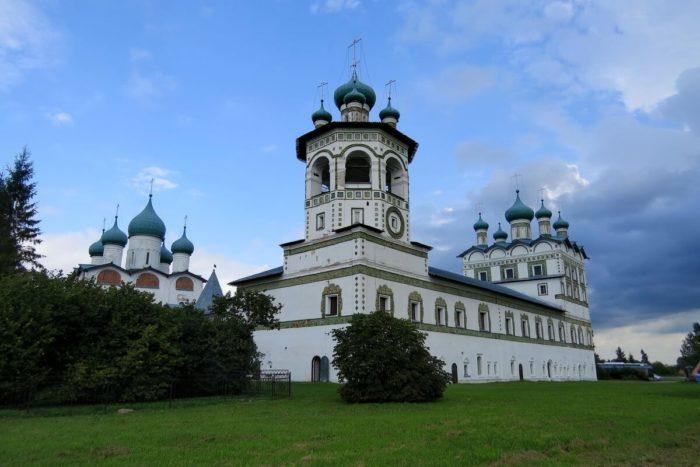 nikolo-vyazhischskiy-monastyr-700x467