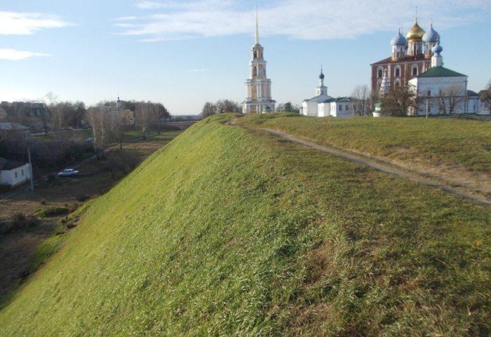 oboronitelnyy-val-v-ryazanskom-kremle-700x481
