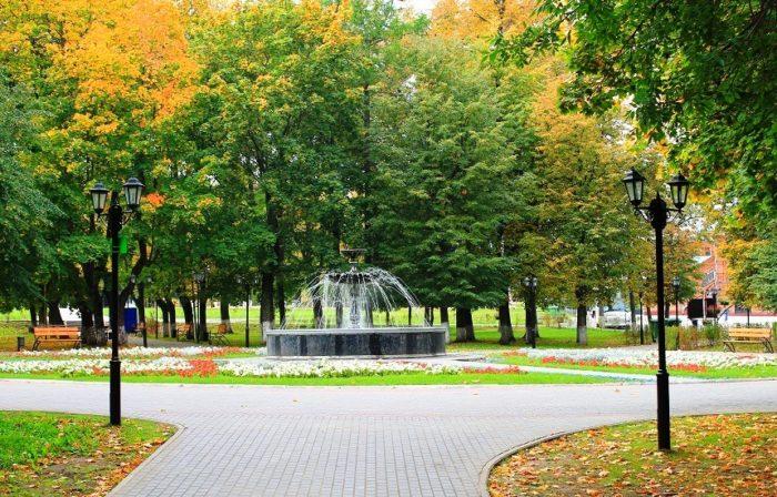 park-lipki-700x448