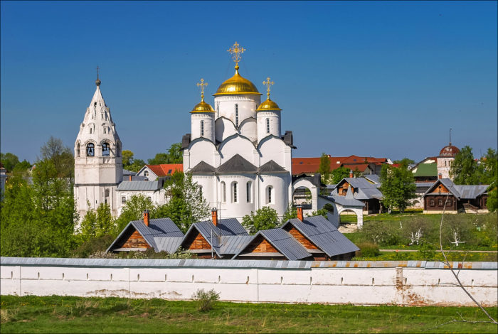 pokrovskiy-monastyr-700x470