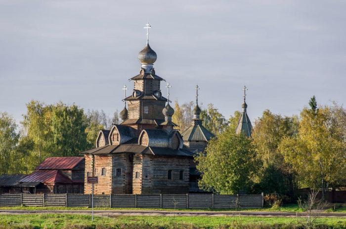 preobrazhenskaya-tserkov-iz-sela-kozlyatevo-700x464