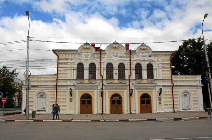 ryazanskiy-teatr-dlya-detey-i-molodezhi-700x464