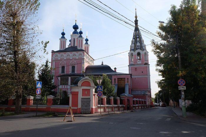 sobor-georgiya-pobedonostsa-za-verhom-700x467