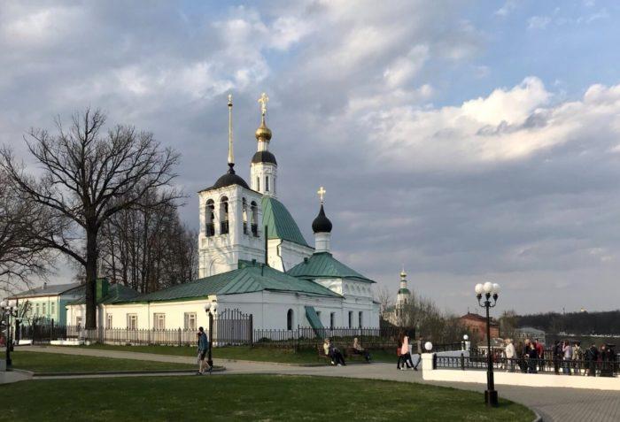 spasskaya-i-nikolskaya-tserkvi-700x477