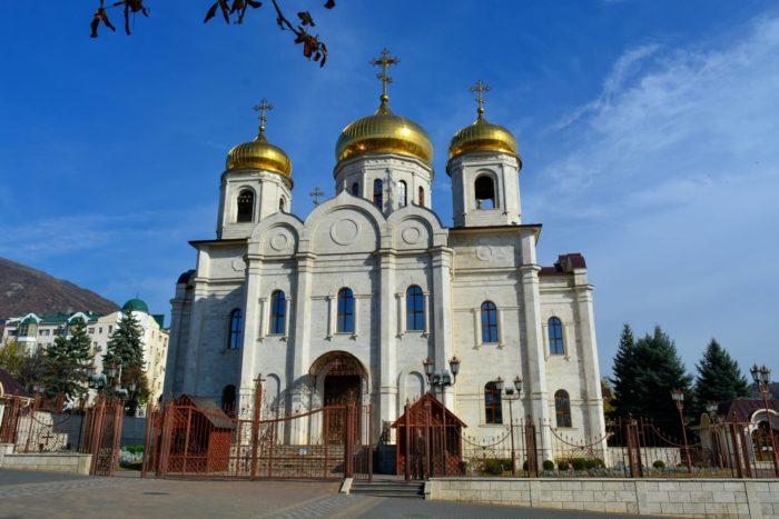 spasskiy-kafedralnyy-sobor-700x467