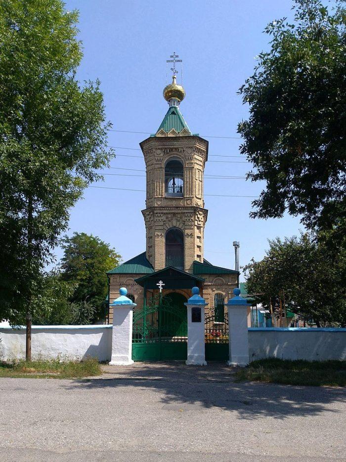 staroobryadcheskaya-pokrovskaya-tserkov-700x934