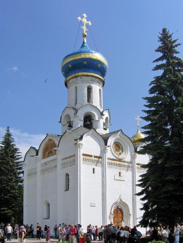 svyato-duhovskaya-tserkov-700x933