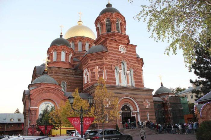 svyato-ekaterininskiy-sobor-700x465