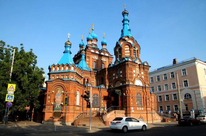 svyato-georgievskiy-hram-700x464