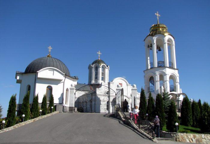 svyato-georgievskiy-monastyr-700x481