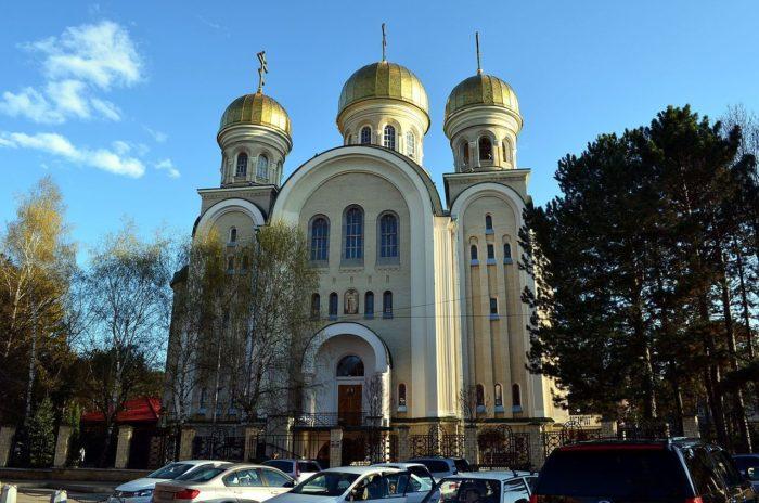 svyato-nikolskiy-sobor-700x464