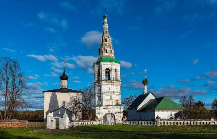 tserkov-borisa-i-gleba-v-kidekshe-700x448