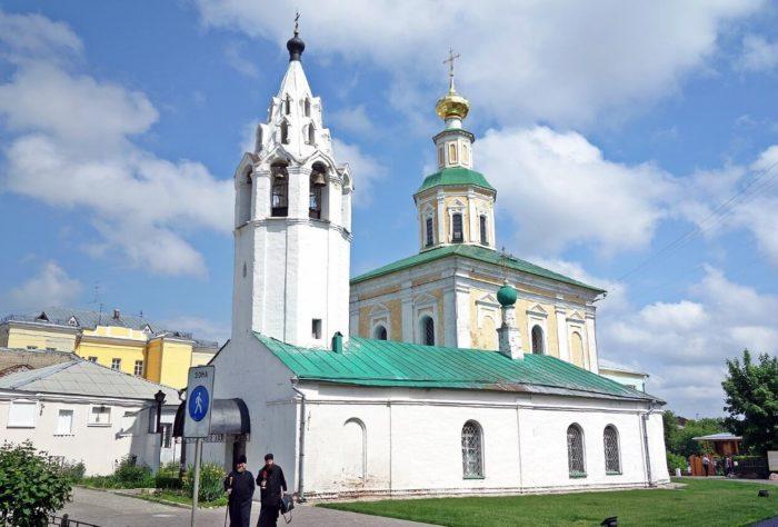 tserkov-georgiya-pobedonostsa-700x474