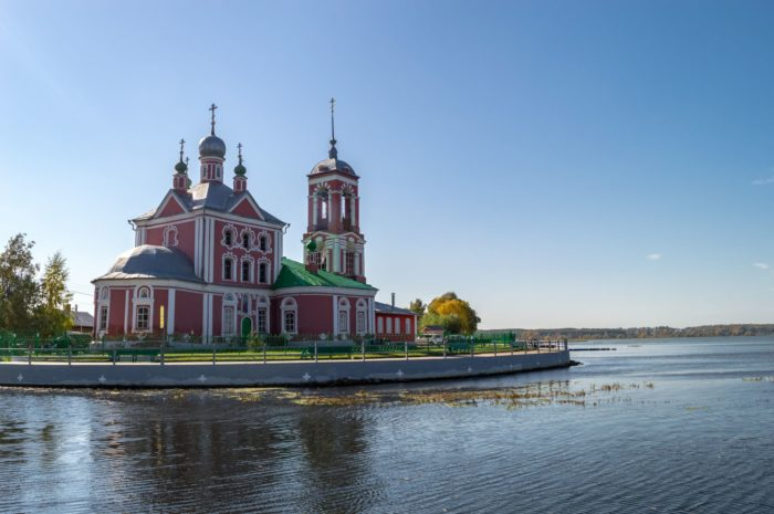 tserkov-soroka-muchenikov-700x465