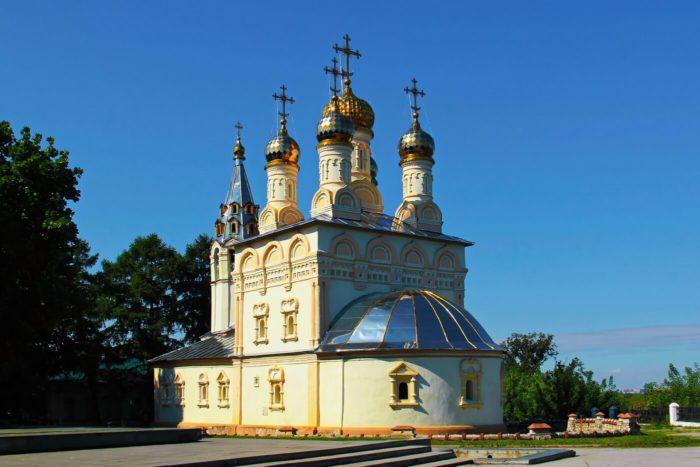 tserkov-spasa-preobrazheniya-na-yaru-700x467
