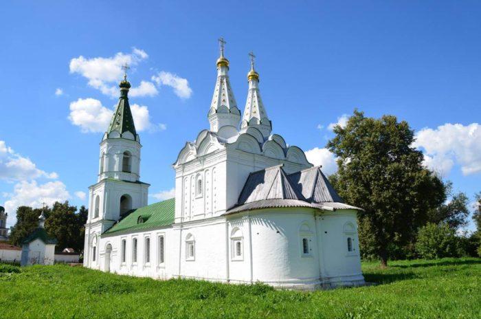 tserkov-svyatogo-duha-700x464