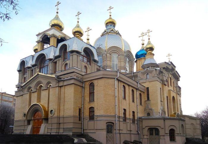 tserkov-svyatogo-panteleymona-700x484