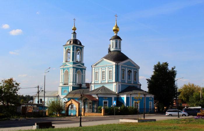 tserkov-voskreseniya-slovuschego-700x449
