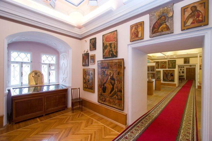tserkovno-arheologicheskiy-kabinet-700x467