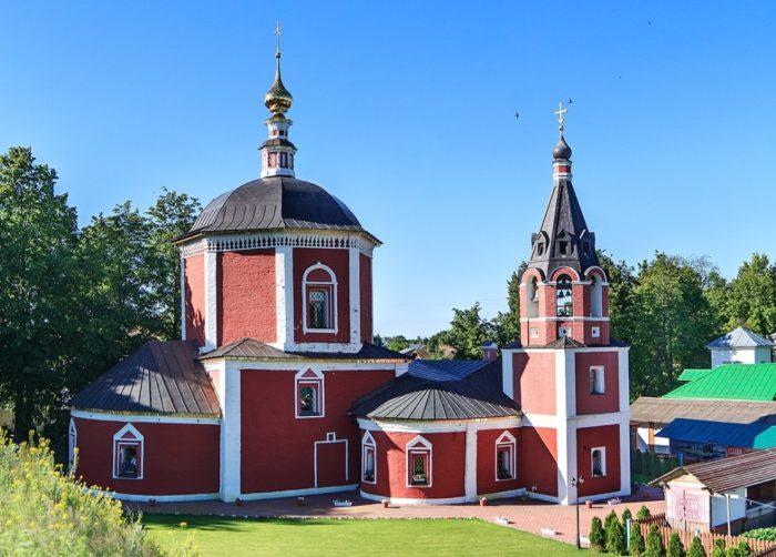 uspenskaya-tserkov-700x502