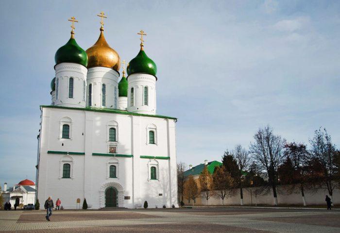 uspenskiy-sobor-700x480