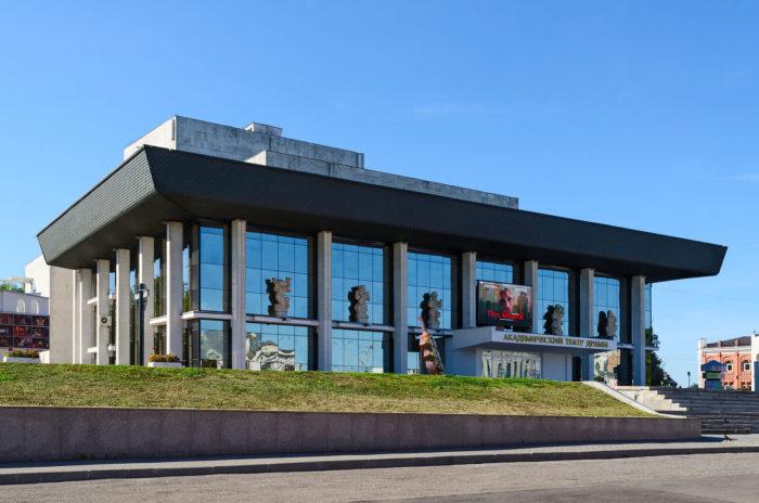 vladimirskiy-oblastnoy-teatr-dramy-700x464