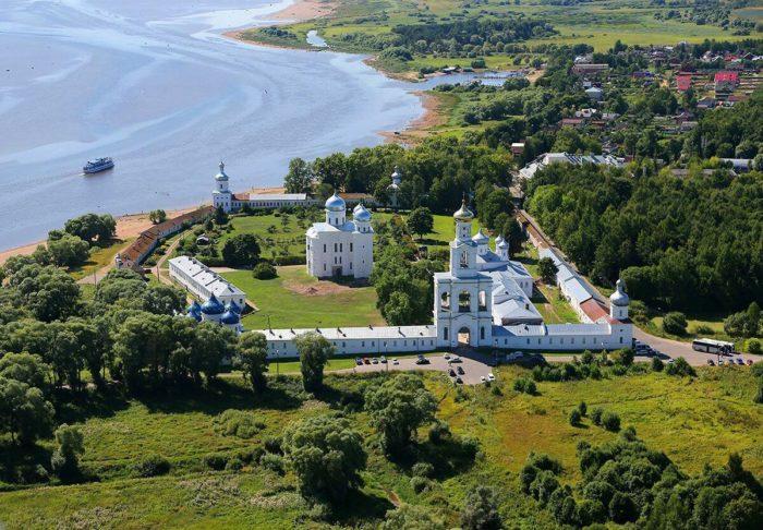 yurev-monastyr-700x486