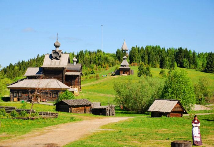 arhitekturno-etnograficheskiy-muzey-hohlovka-700x482