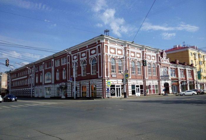 dom-ofitserov-ufimskogo-garnizona-700x474