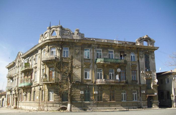 dom-semena-ezrovicha-duvana-700x458