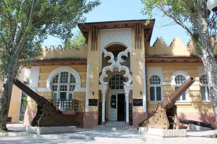 evpatoriyskiy-kraevedcheskiy-muzey-700x465