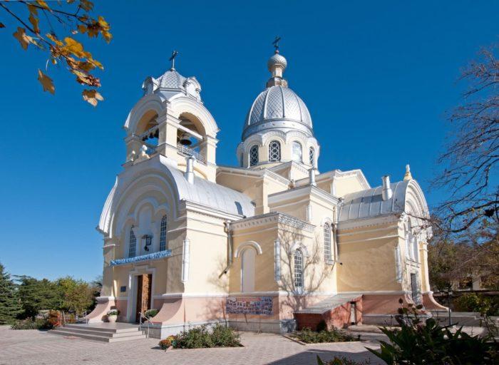 kazanskiy-sobor-1-700x512