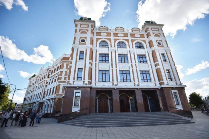 mariyskiy-teatr-opery-i-baleta-700x465