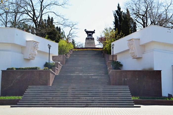 matrosskiy-bulvar-700x467
