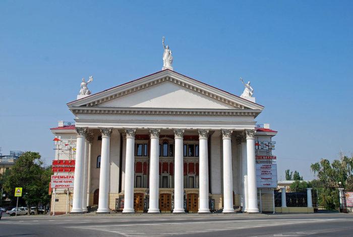 novyy-eksperimentalnyy-teatr-700x469