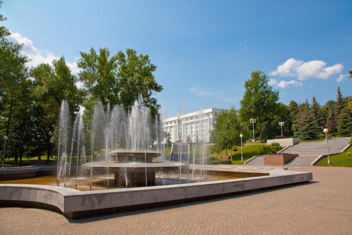 park-imeni-lenina-700x467