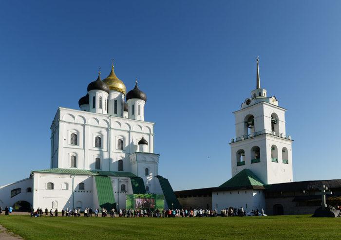 svyato-troitskiy-sobor-700x493