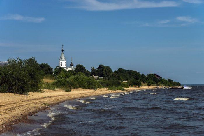 talabskie-ostrova-i-pskovskoe-ozero-700x467
