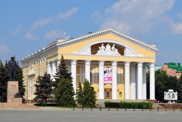teatr-dramy-imeni-m.-shketana-700x467