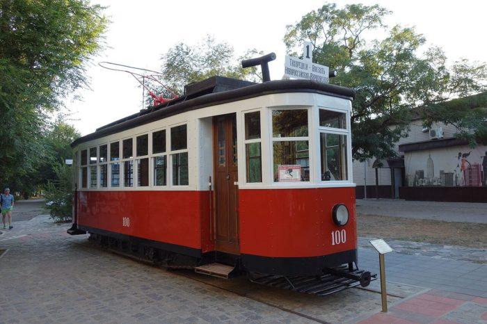tramvay-pamyatnik-700x466