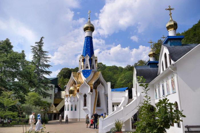 troitse-georgievskiy-monastyr-700x467