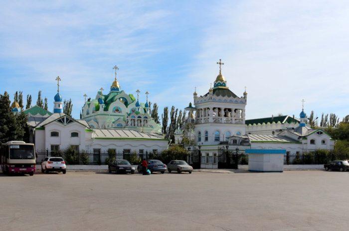 tserkov-svyatoy-ekateriny-700x463