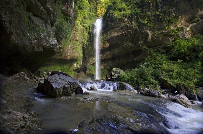 vodopad-past-drakona-700x464