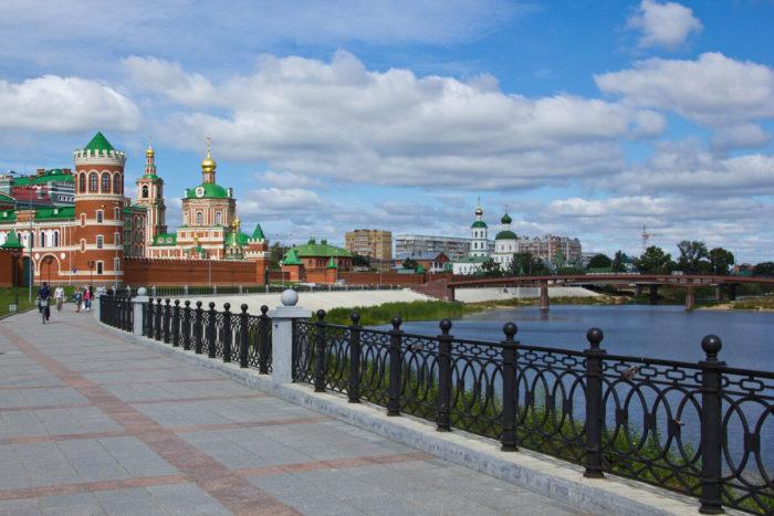 voskresenskaya-naberezhnaya-700x467