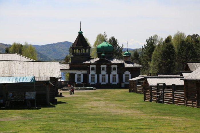 arhitekturno-etnograficheskiy-muzey-taltsy-700x466