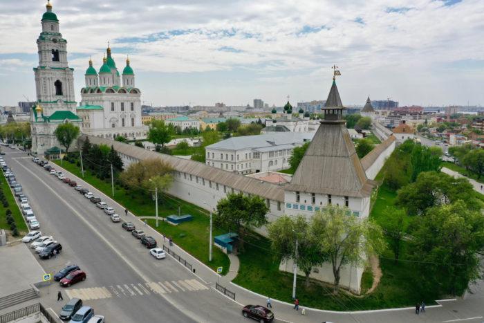 astrahanskiy-kreml-700x467